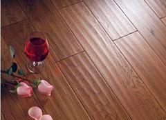 客厅铺设榆木地板的优缺点 榆木地板好用吗