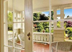 选购玻璃门的方法有哪些 四个技巧帮到你
