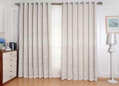 卧室用什么款式窗帘比较好 尽享高端奢华