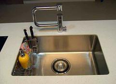 摩恩水槽生锈如何保养 不得不说的超实用
