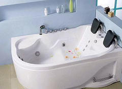 保养双人浴缸的方法有哪些 给生活来点大不同