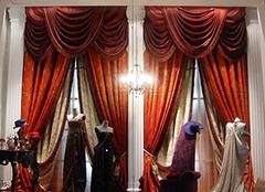 蓝色沙发怎么搭配窗帘风格 现场分享!