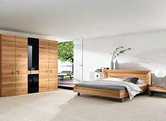 家具使用久了该不该换 实木家具翻新焕发新春