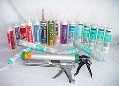清除玻璃胶的方法有哪些 轻松清洁不留污