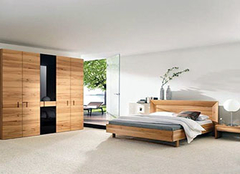 如何清理家中实木家具 清理技巧为生活带来方便