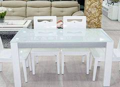 如何为家居选购餐桌 材质质量不可忽视