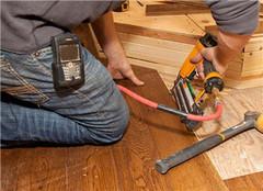  旧的实木地板的翻新技巧有哪些 怎么做好呢