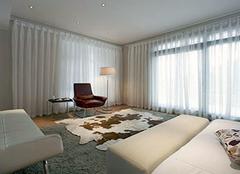 卧室窗帘颜色有哪些选择 风格搭配最为重要