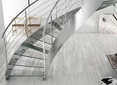 楼梯选材之玻璃解析  打造家居通透感