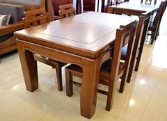 使用实木餐桌椅的注意事项有哪些 美食从选择餐桌椅开始