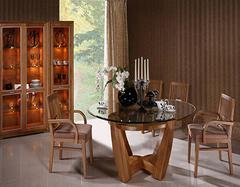 餐桌是团圆的象征 盘点不同材质餐桌都怎么保养