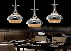 详解选择餐厅吊顶的小方案有哪些 让你餐厅温暖起来