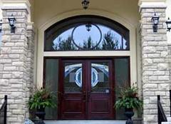大门的方向在风水学中有什么讲究 你家的门方向对了吗
