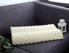 乳胶枕值得买还是记忆枕值得买 他们俩都有什么区别