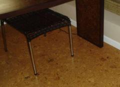粘贴式软木地板的安装步骤是怎样的 主要是这五步