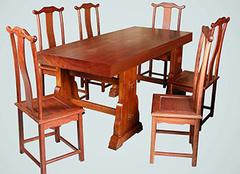 红木餐桌值得挑选吗?你来看值不值