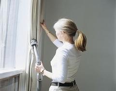 窗帘能保证住所私密性 使用窗帘势必要学会怎么清理