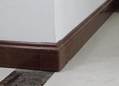 家中安装踢脚线有哪些步骤 掌握技巧自己也可安装