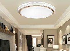 常用的客厅灯具的清洗方法 赶紧学起来