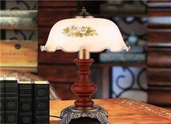书房台灯要怎么布置更好看 常见的方法有哪些