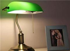 常见的小台灯有哪些种类 其市场价格是多少