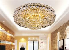 客厅装水晶灯好在哪 哪里好
