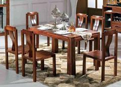 实木餐桌保养的三大技巧 保养的好才不会老