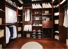 步入式衣柜的优缺点及款式有哪些 给你最全面的了解