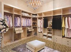 开放式衣柜防尘注意 加湿也能缓解问题