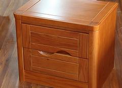 家中床头柜应该如何选购 尺寸带来更好搭配