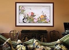 客厅沙发上面的挂画选择 这几个原则要讲究