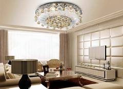 客厅灯具安装要注意哪几个方面 灯具安装注意事项