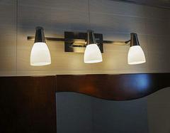 卫生间照明少不了镜前灯 镜前灯怎么摆放最合适?