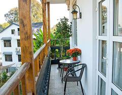 小阳台选用什么装饰比较合适?这几个装饰案例给你主意
