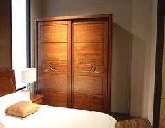 实木衣柜安装气味难闻 怎么去除实木衣柜异味