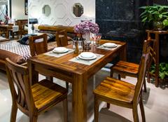 酒店选购实木餐桌椅有哪些方法  真不简单