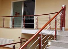 楼梯扶手四大种类的介绍 总有一种你熟悉