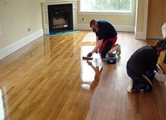 施工家用实木地板打蜡的小方法 让家恢复如新
