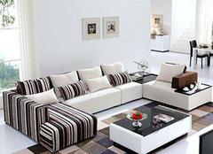  怎样做好布艺沙发的清洁保养 用心才能持久舒适