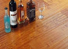 家装实木复合地板怎样挑好 呵护家人健康