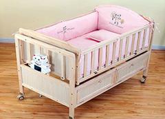 婴儿睡在婴儿床都有哪些好处 家长们都来看看吧