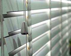 电动百叶窗的其他辅助功能有哪些 电动百叶窗介绍