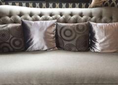 沙发靠垫怎么搭配才好看 理智搭配才是王道