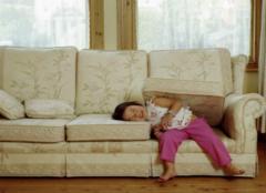沙发垫怎么清洗比较好 让沙发有个美美的衣服