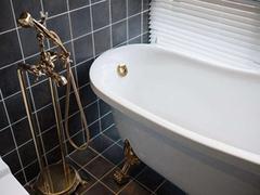 浴缸放松整日疲惫 购买亚克力浴缸的参考因素有哪些