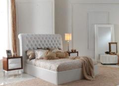 卧室床怎么搭配才好 让睡觉环境更和谐