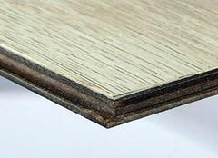 复合地板保养的三个要点 让地板使用更长久