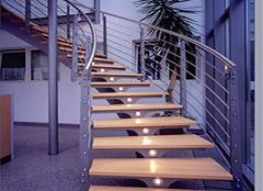 楼梯龙骨的三种安装方法 第三种才是专业的