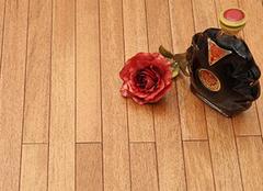 实木地板翻新注意问题 打蜡是不可少的