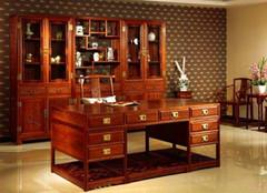 红木办公桌种类分析 选择看需求